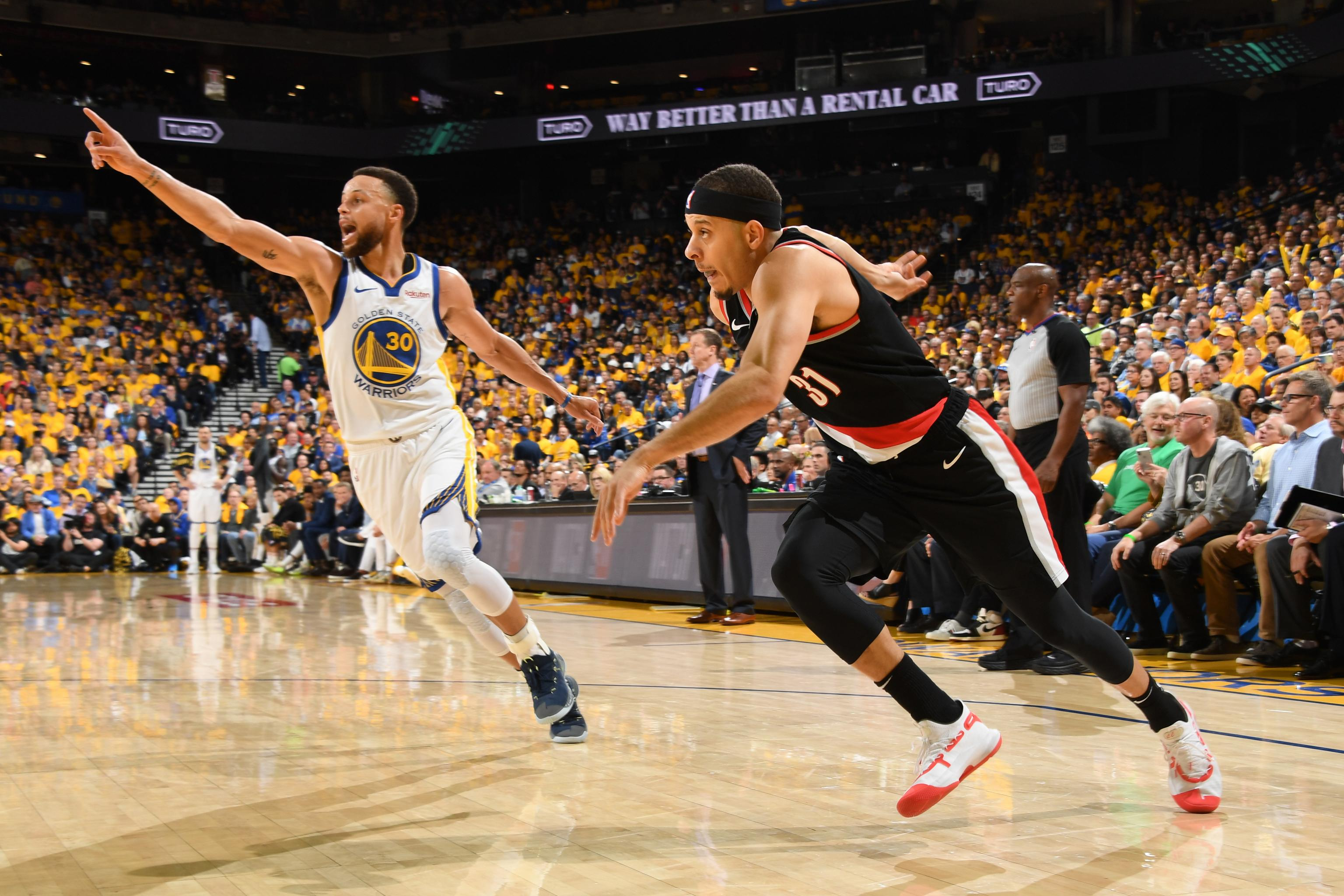 finest selection 31f9e b13e5 Steph Curry: 'Weird' Seeing Mom Sonya Cheering for Him in ...