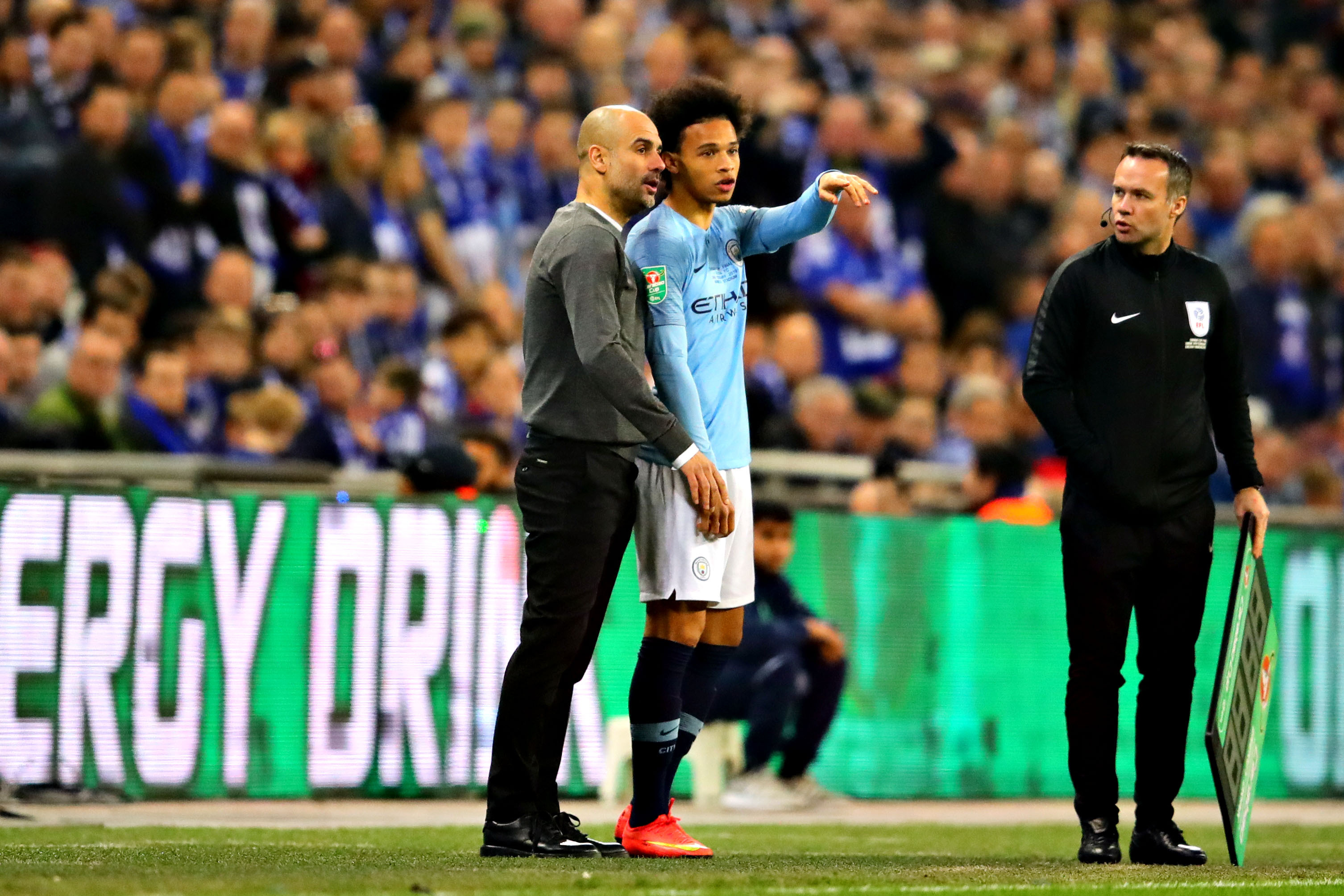Pep Guardiola: Manchester City 'Trying' to Agree to New
