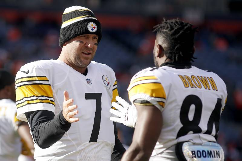 ae69742e1db Pittsburgh Steelers wide receiver Antonio Brown (84) greets quarterback Ben  Roethlisberger (7)