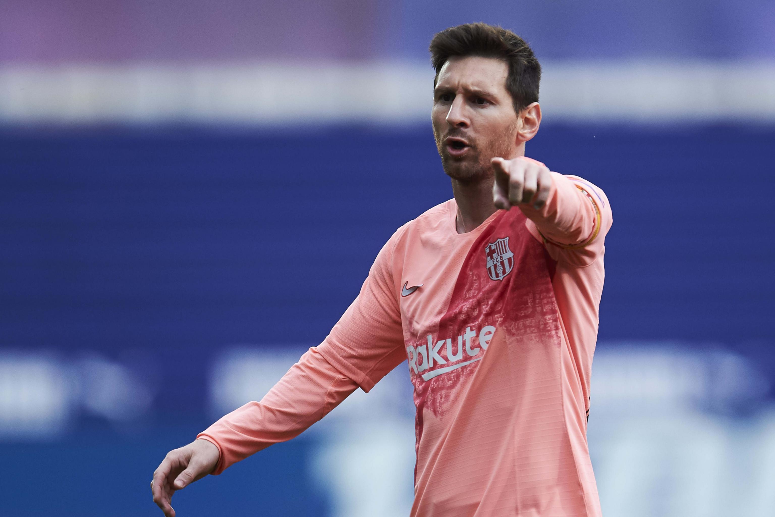 ba529d3010c Kylian Mbappe Backs Barcelona s Lionel Messi for 2019 Ballon d Or ...