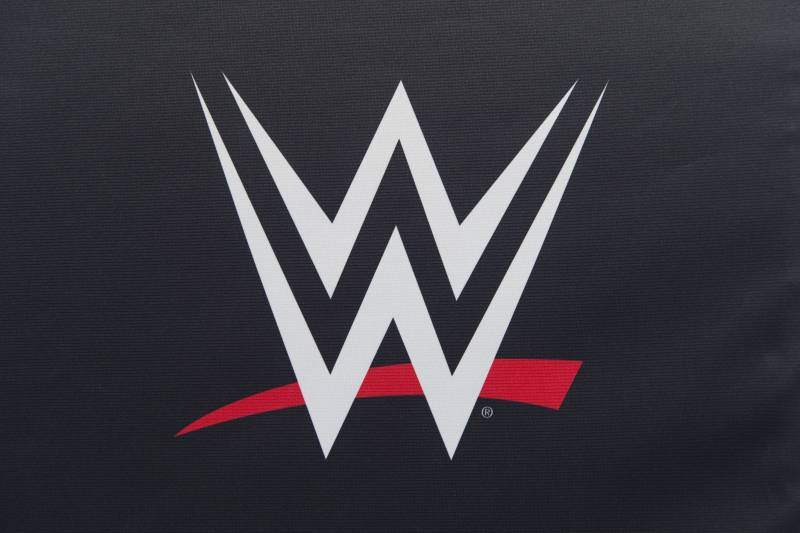 WWE 24/7 Title Is Pathetic Attempt to Jump-Start Raw, SmackDown