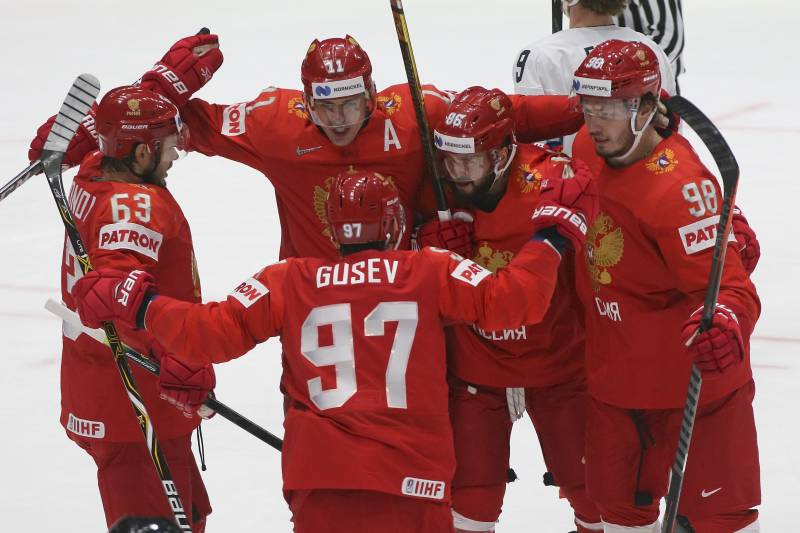 separation shoes 34774 f284e Russia Beats USA to Advance to 2019 World Hockey ...