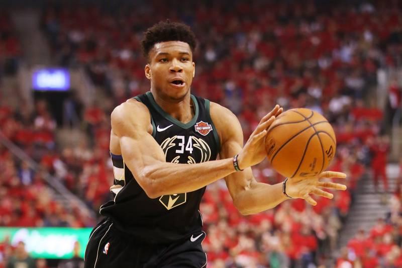 Milwaukee Bucks Schedule 2020-21 Report: Giannis' Future with Bucks Could Hinge on 2020 NBA Finals