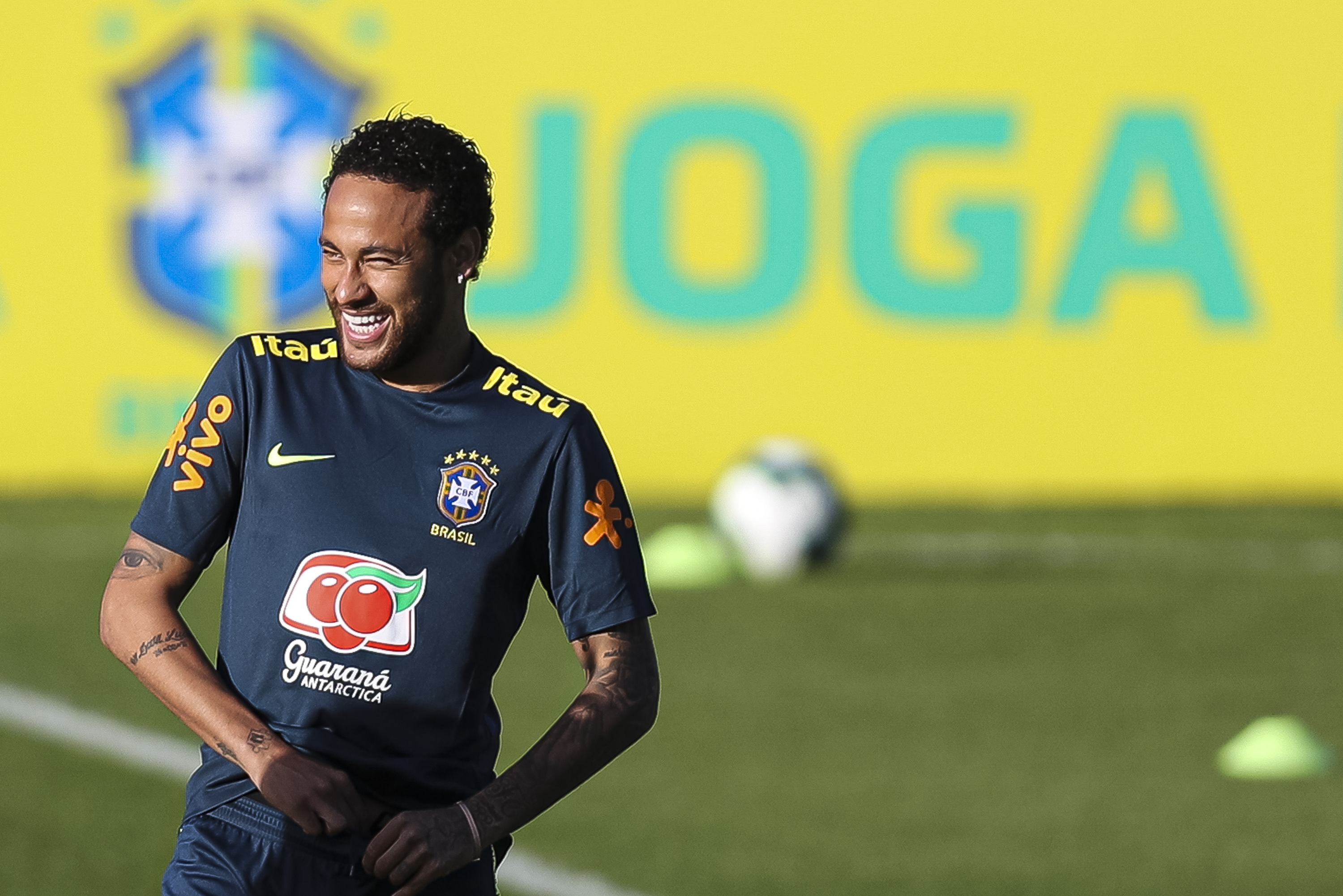 wholesale dealer d953a 78fce Report: Neymar Believes He Could Leave PSG; Barcelona ...