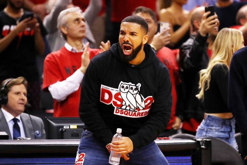 b33086994e5 Look: Drake Arrives to Game 1 of NBA Finals Wearing Dell Curry Raptors  Jersey