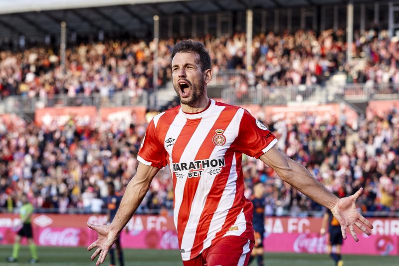 Cristhian Stuani Addresses Summer Transfer Prospects Amid Barcelona Rumours