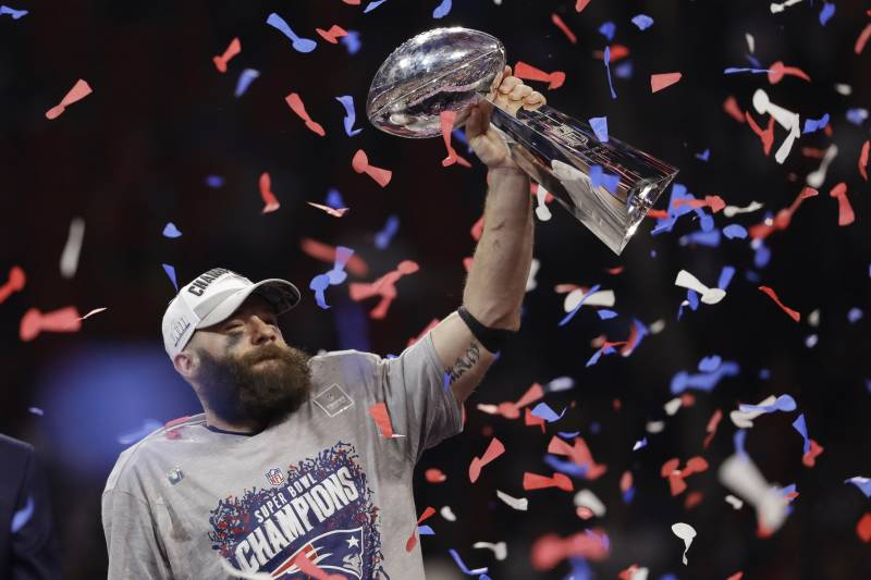 7b601e94 Look: Patriots Unveil Super Bowl 53 Rings Featuring 422 Diamonds, 20 ...