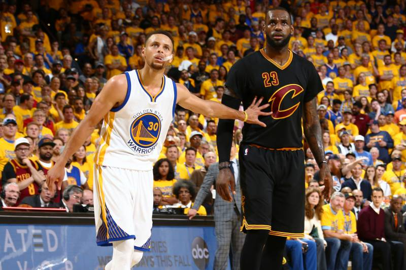 f28221ac285 OAKLAND, CA - JUNE 19: Stephen Curry #30 of the Golden State Warriors