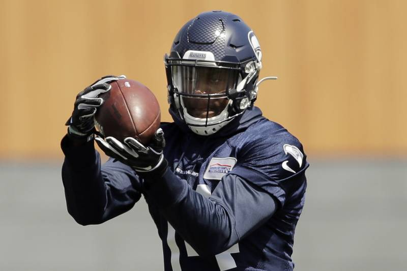 Seahawks Qb Russell Wilson Praises Really Special Wr Dk