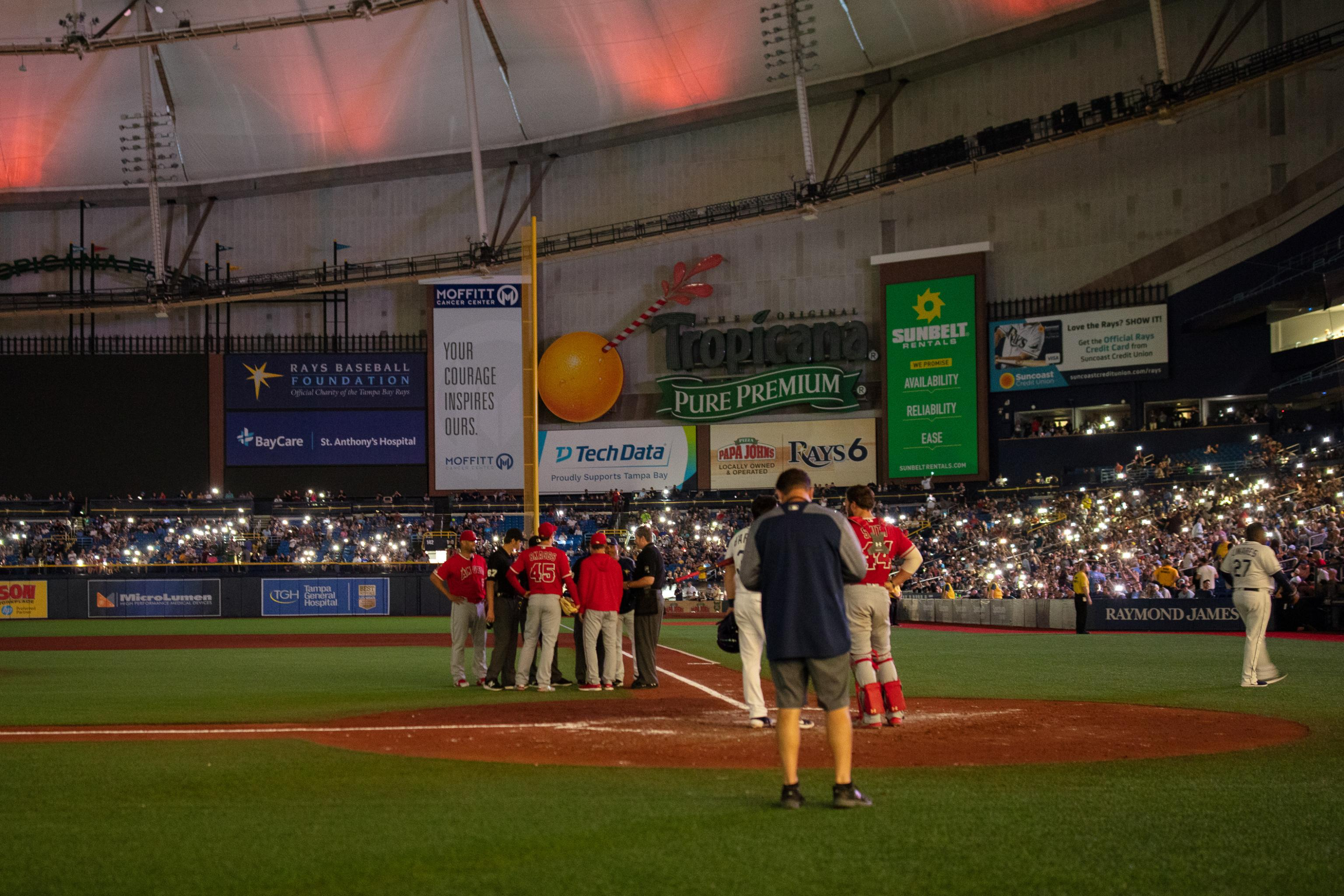 Video: Angels vs  Rays Delayed After Lights Go out at