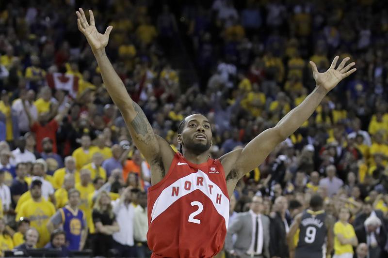 Kawhi Leonard Rumors: Lakers to Pursue Raptors Star After Anthony Davis Trade