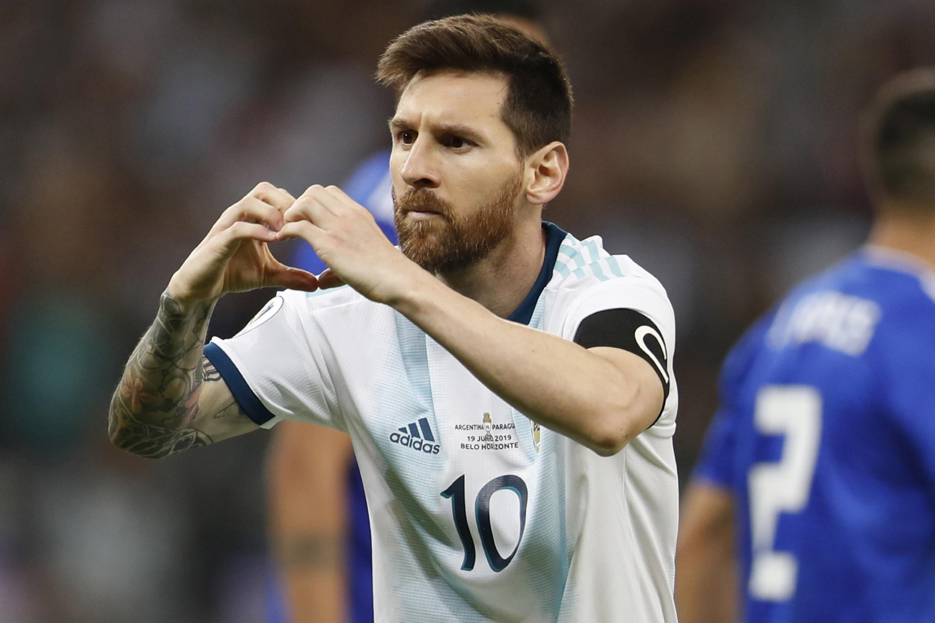 vendita più economica eccezionale gamma di stili e colori aspetto elegante Lionel Messi Converts Penalty, Argentina Draw with Paraguay at ...