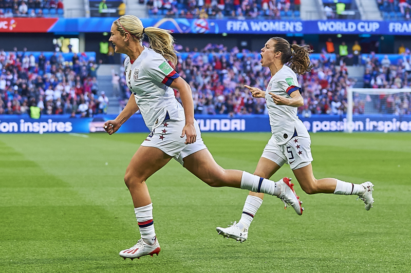 Lindsey Horan Scores as USWNT Beat Sweden, Top Group F at 2019 World Cup