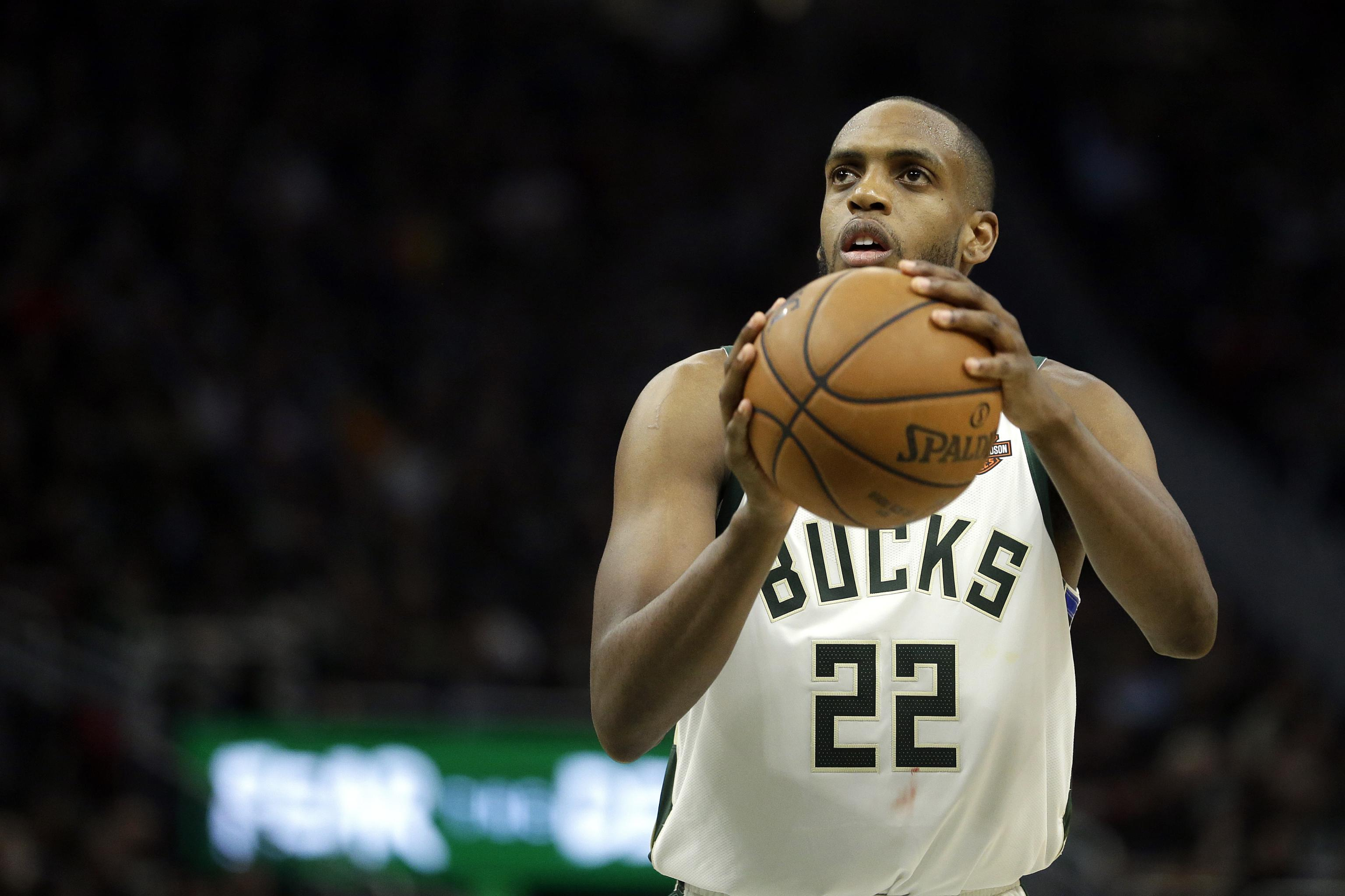Khris Middleton Reportedly Re-Signs ...