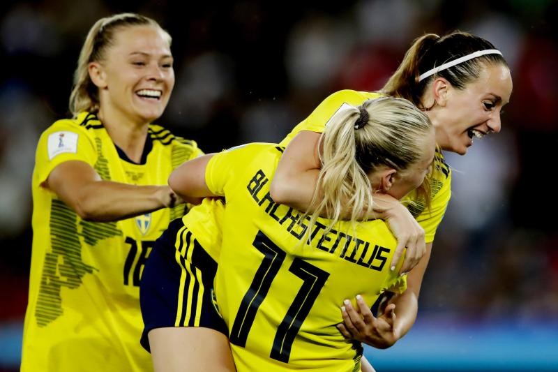 Sweden Edge Christine Sinclair, Canada, Advance to Women's World Cup Quarters