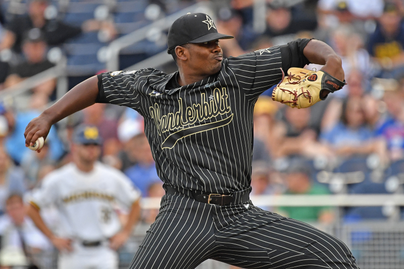 College World Series Finals 2019: Vanderbilt Wins Game 2 vs. Michigan 4-1