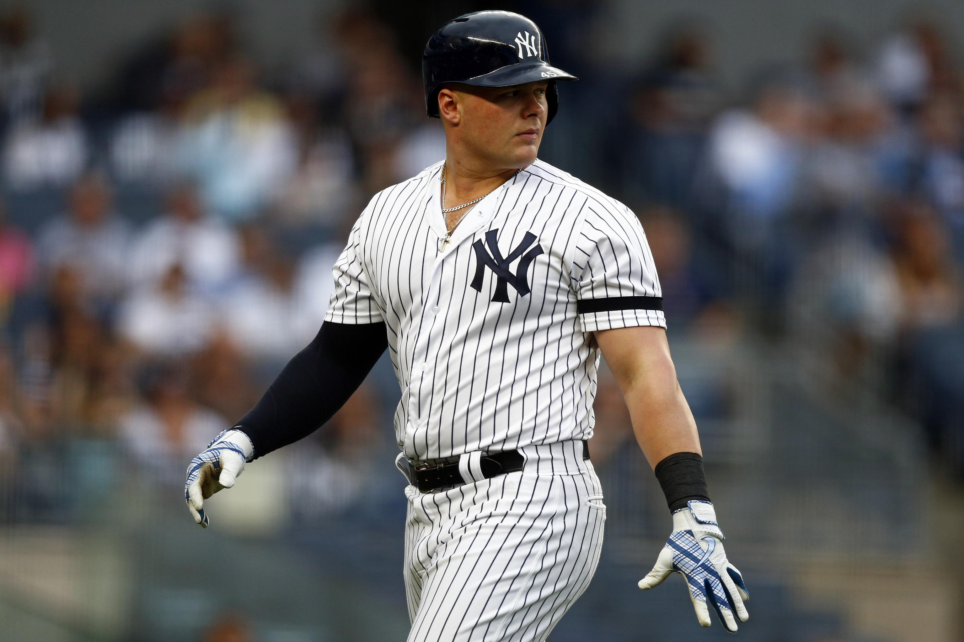 newest 62225 3668c Yankees' Luke Voit Placed on IL After Abdominal Injury ...