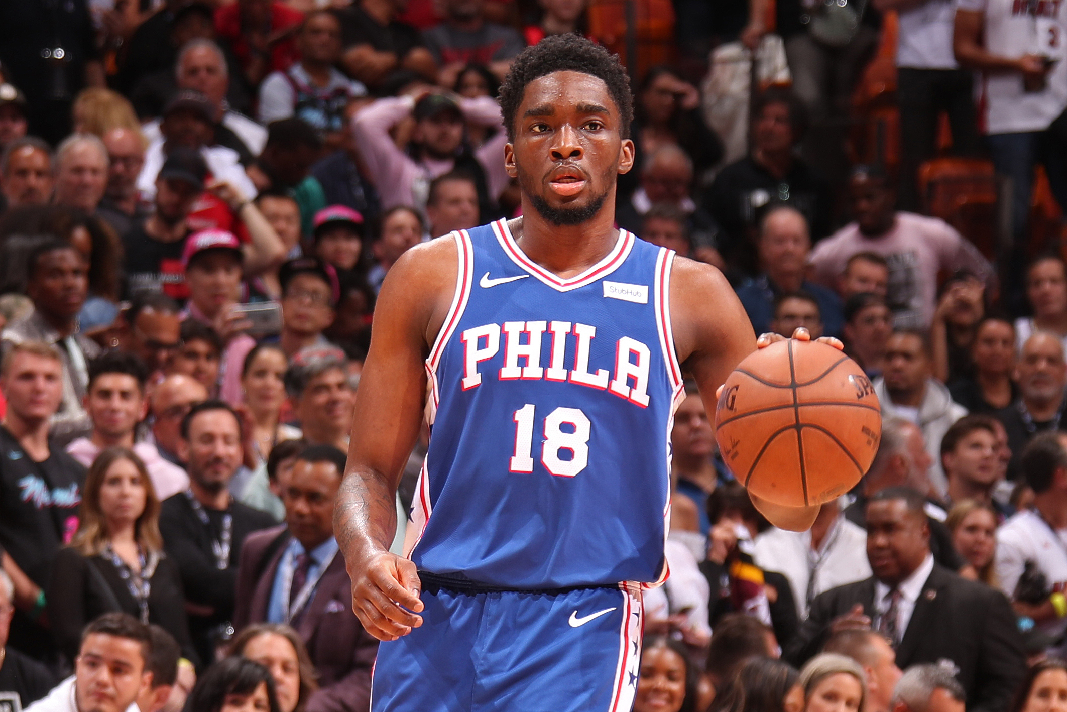 new styles 60c47 2e473 Shake Milton Reportedly Re-Signs with 76ers on 4-Year ...