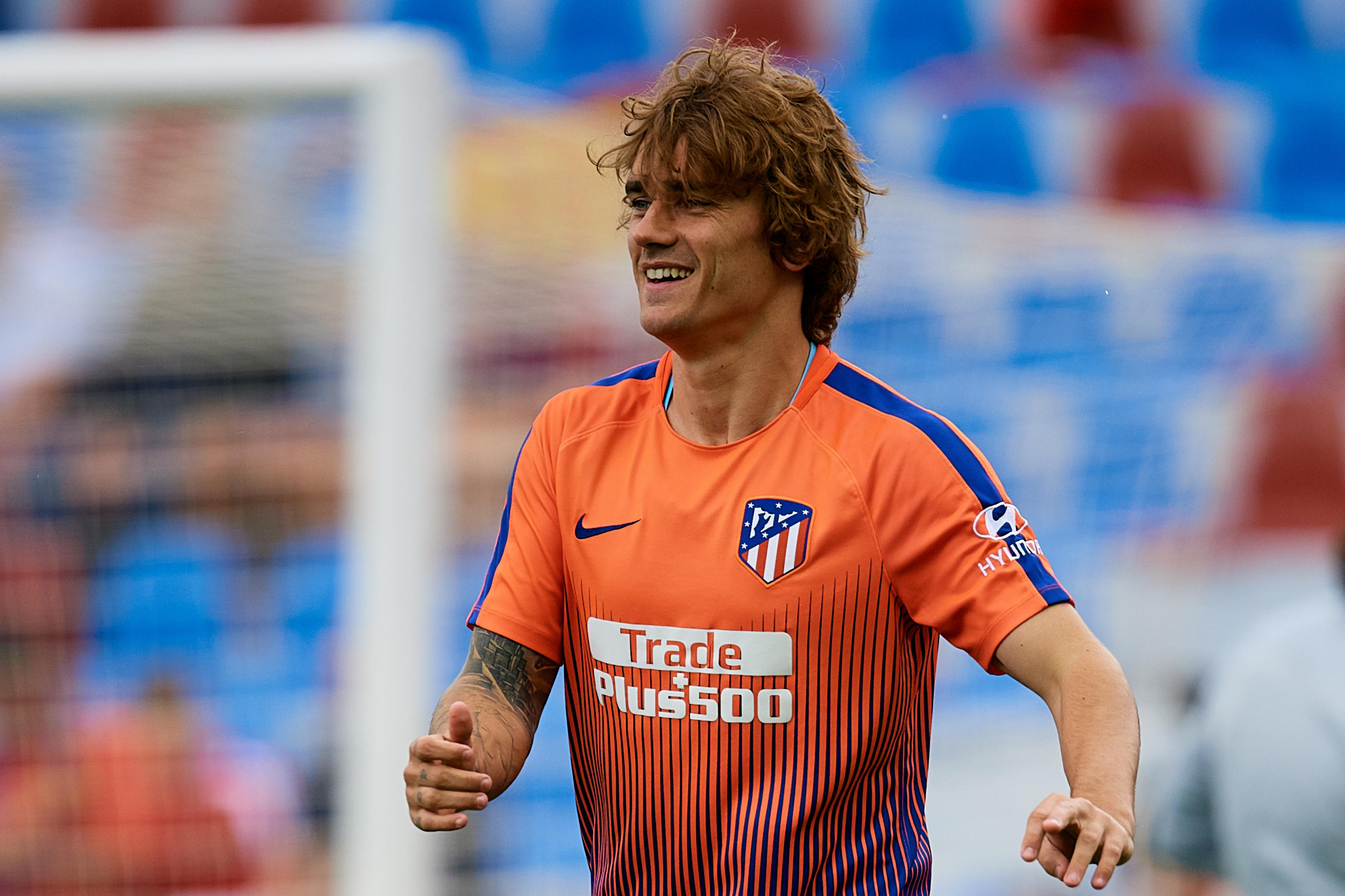 more photos 5f1d8 7b14a Antoine Griezmann Completes Barcelona Transfer from Atletico ...