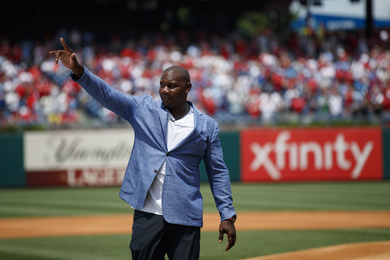 Video: Ryan Howard Congratulated on Retirement by The Office's B.J. Novak