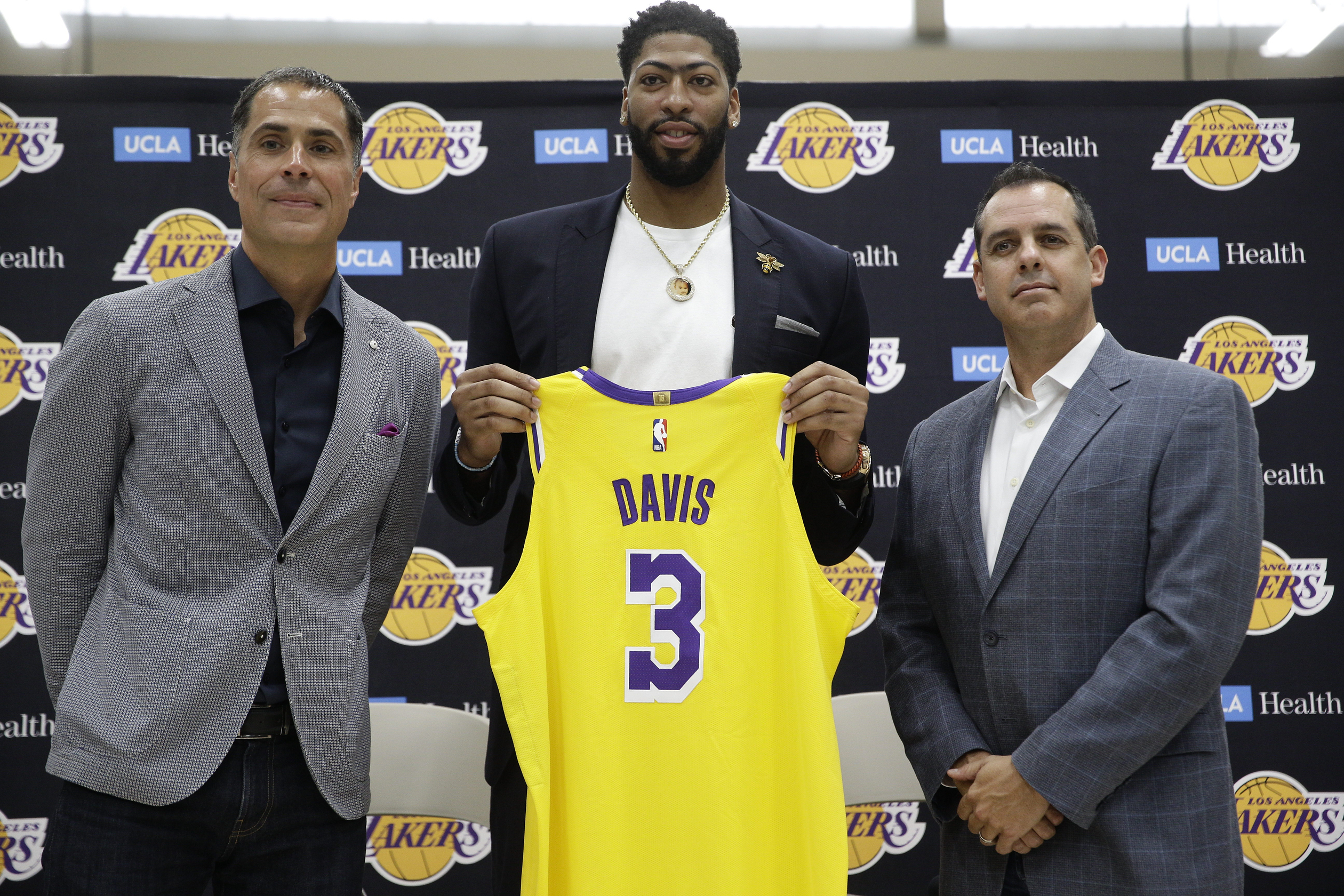 buy popular f7105 9aec3 Lakers News: Anthony Davis, LeBron James, All Players ...