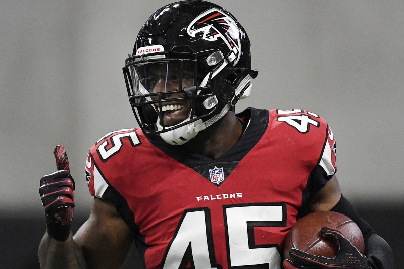 LB Deion Jones, Falcons Agree to 4-Year, $57M Contract Extension