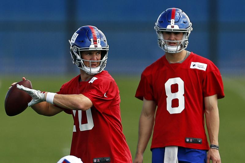Giants Rumors: Eli Manning, Daniel Jones Won't Have Open QB Competition