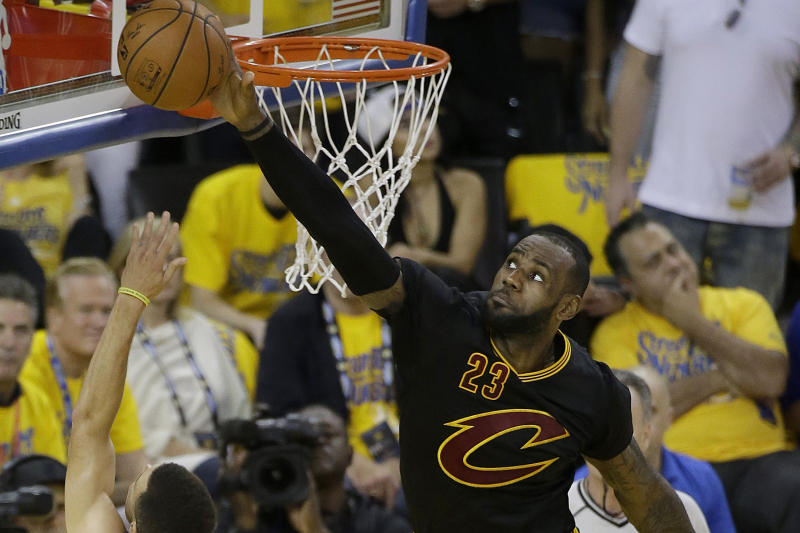 All the King's Records: Projecting LeBron's All-Time Blocks, Steals and Rebounds