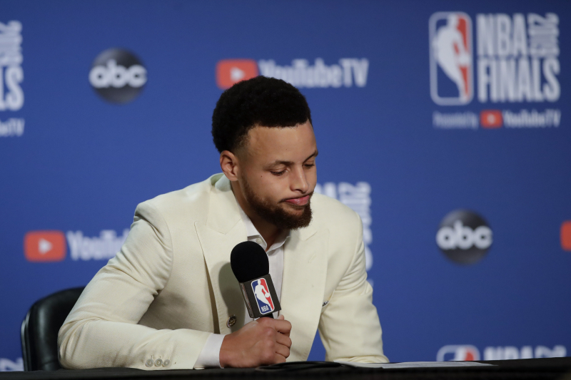 Video: Steph Curry Shows Massive Muscle Contraction After Finals Loss to Raptors