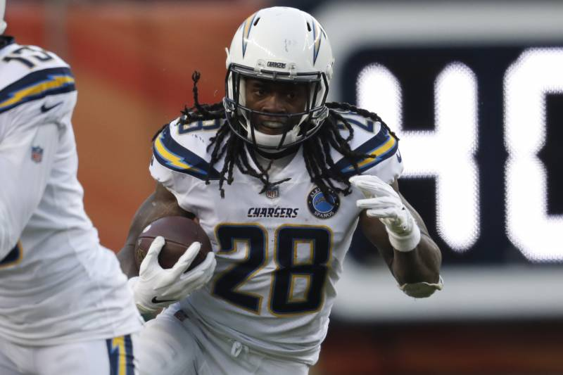 best loved 84457 451fb Melvin Gordon Contract Rumors: RB, Chargers Are $2-3M Apart ...