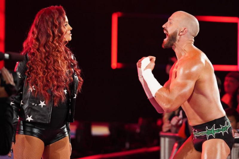 Watch Maria Kanellis Become 1st-Ever Pregnant Champ After Winning WWE 24/7 Title
