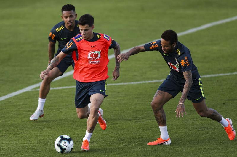 Barcelona's Juliano Belletti Talks Neymar, Philippe Coutinho Transfer Rumours