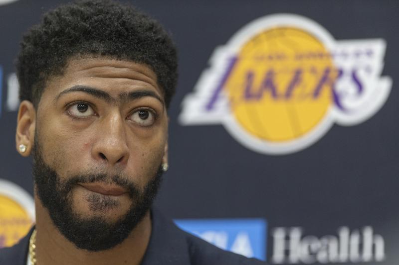 Lakers Rumors: Davis Won't Play 'Big Minutes' at Center After Cousins Injury