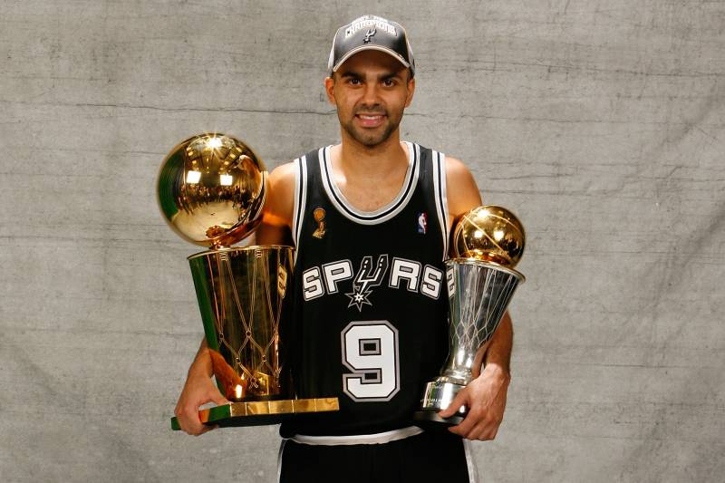 best service e8a14 dae21 Tony Parker's Spurs Jersey to Be Retired Nov. 11 | Bleacher ...
