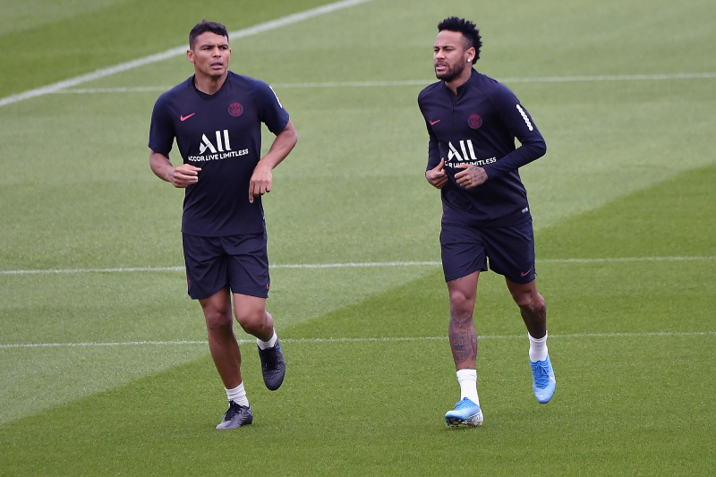 Thiago Silva on Neymar, Barcelona Transfer Rumours: 'I Feel He Can Stay' at PSG
