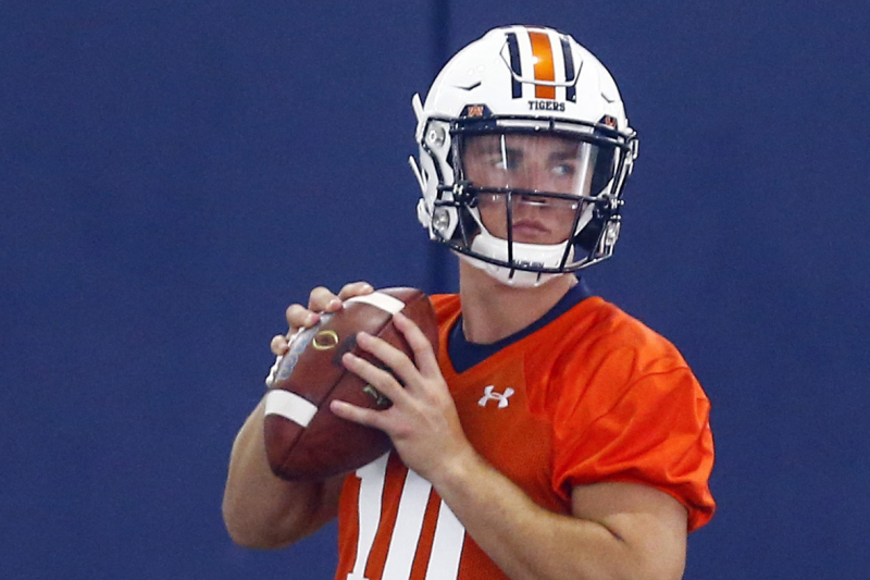 True Freshman Bo Nix Named Auburn Starting QB over Joey Gatewood