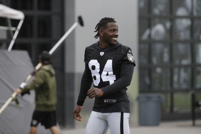 Antonio Brown Says 'Men Lie. Women Lie. But the Analytics Don't.' on Hard Knocks