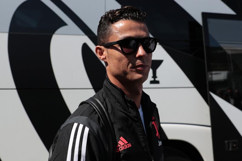 Cristiano Ronaldo Talks Lionel Messi Rivalry: He 'Makes Me a Better Player'