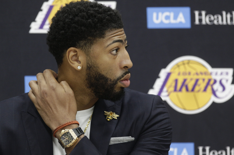 Report: Anthony Davis Wants 'True Big' at Center During Lakers Regular Season