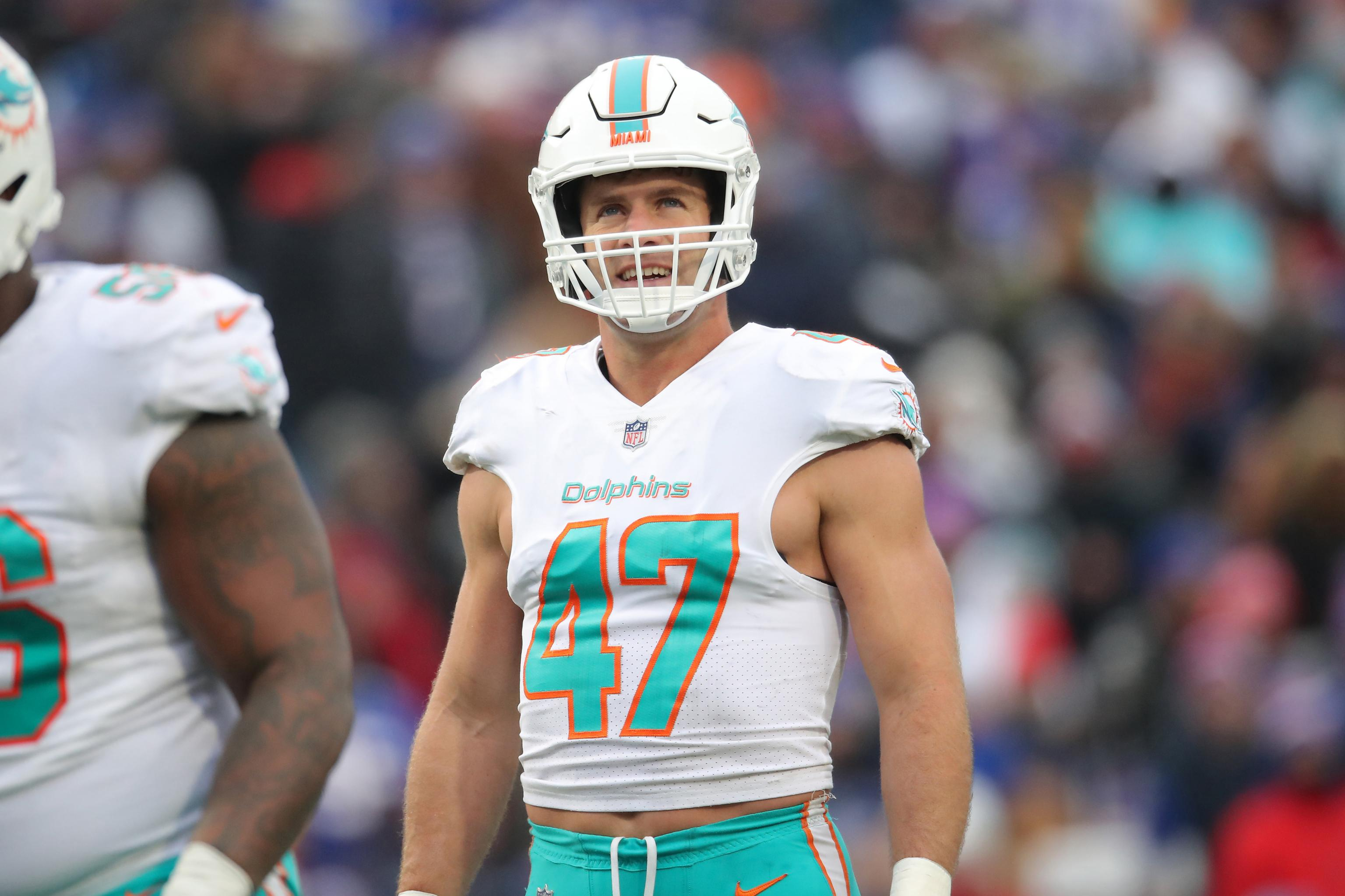 timeless design 33e66 f45d5 Kiko Alonso Reportedly Traded to Saints from Dolphins for ...