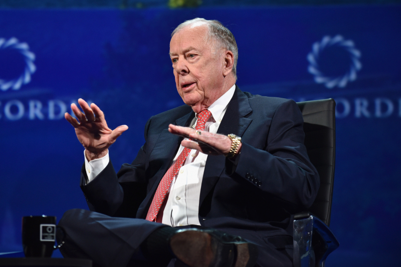 Oil Tycoon, Oklahoma State Superfan T. Boone Pickens Dies at Age 91