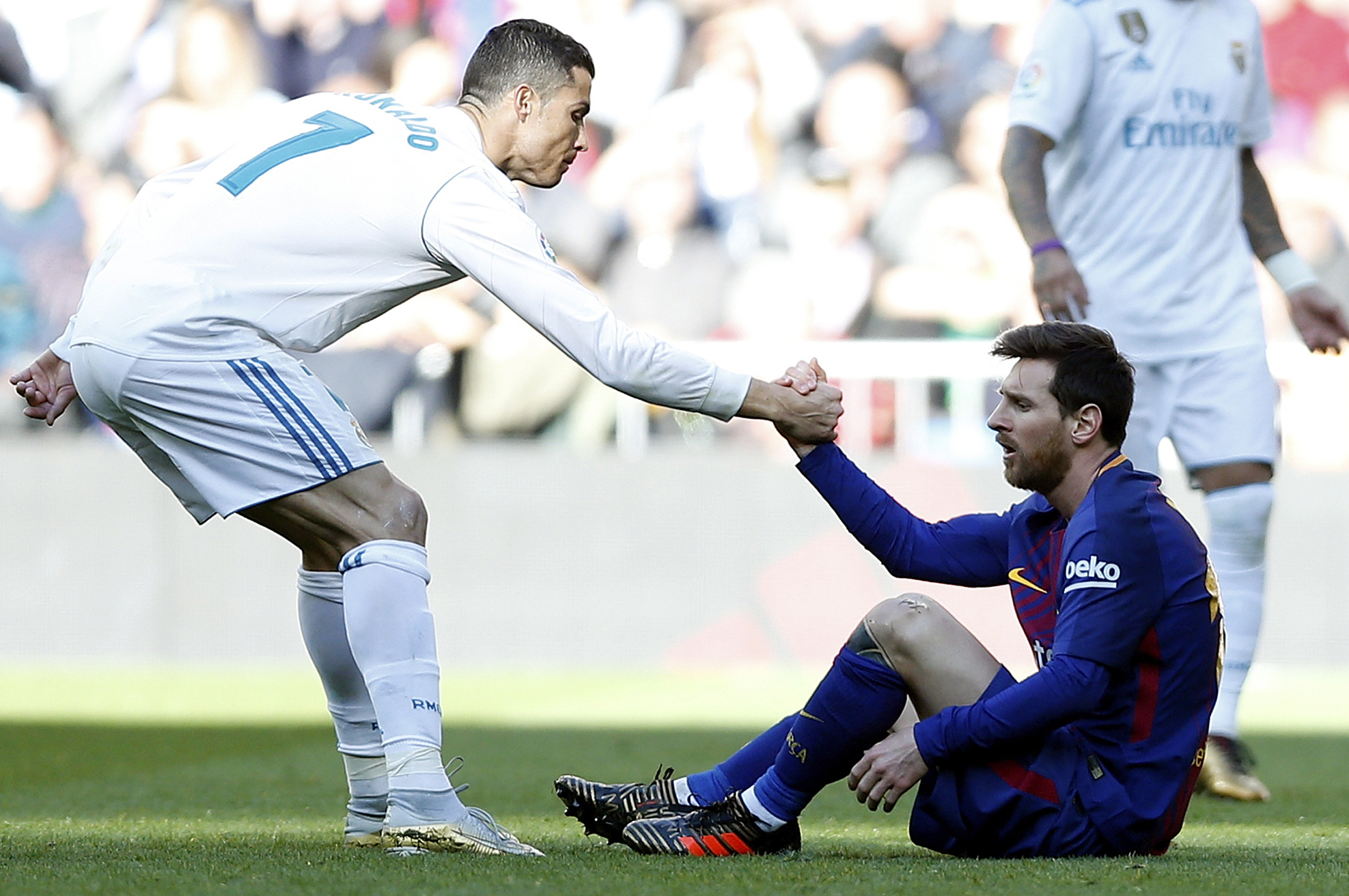 Lionel Messi Would 'Obviously' Accept an Invite from Cristiano ...