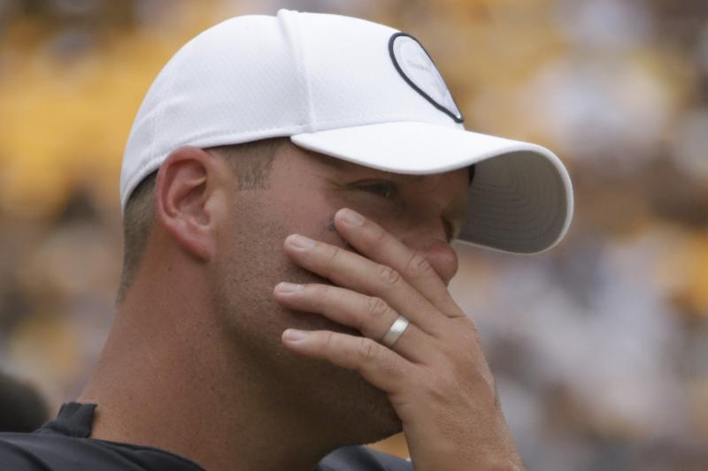 Steelers' Ben Roethlisberger to Undergo Elbow Surgery, Miss Remainder of Season
