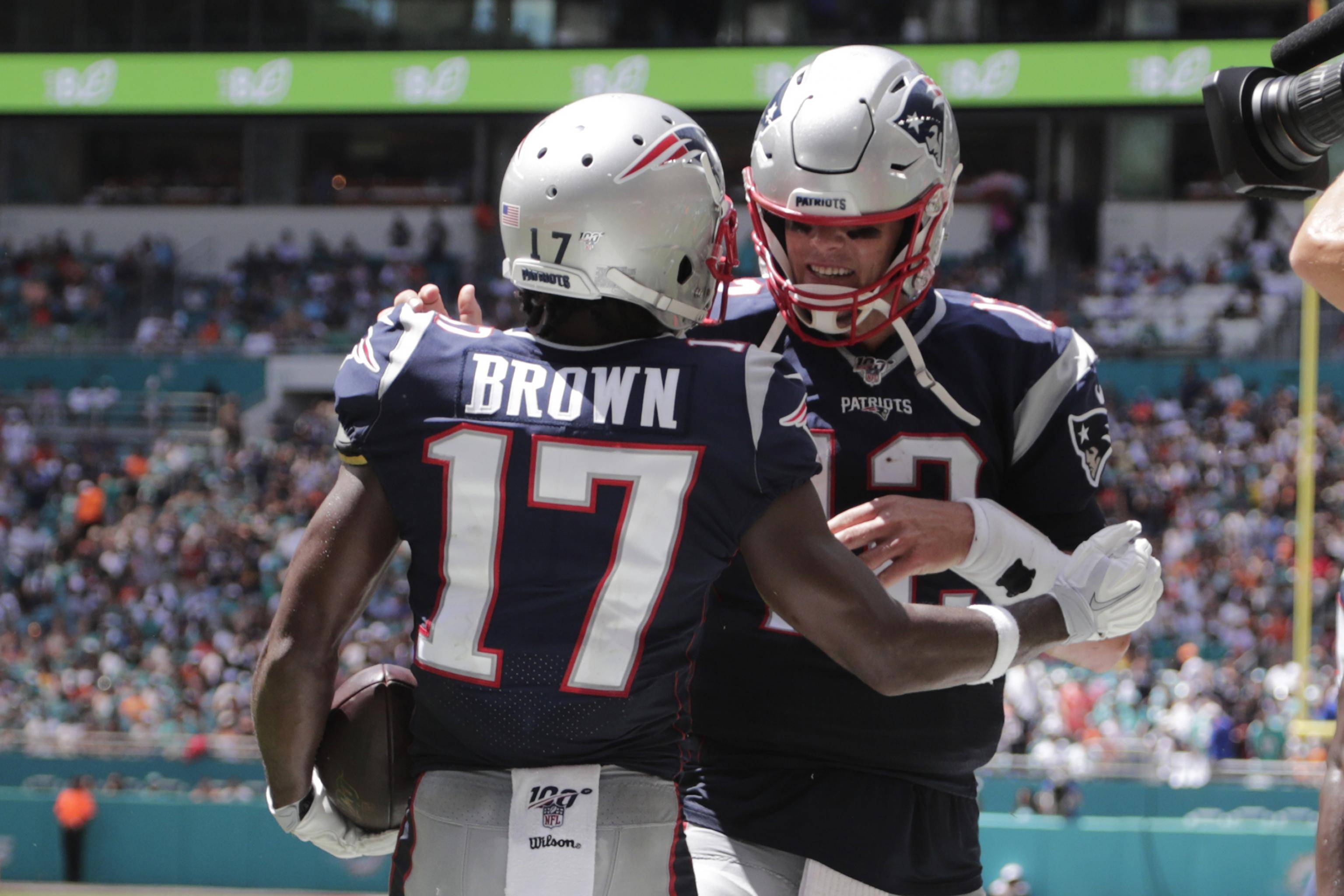 Patriots Tom Brady On Antonio Brown Easy To See Why He S