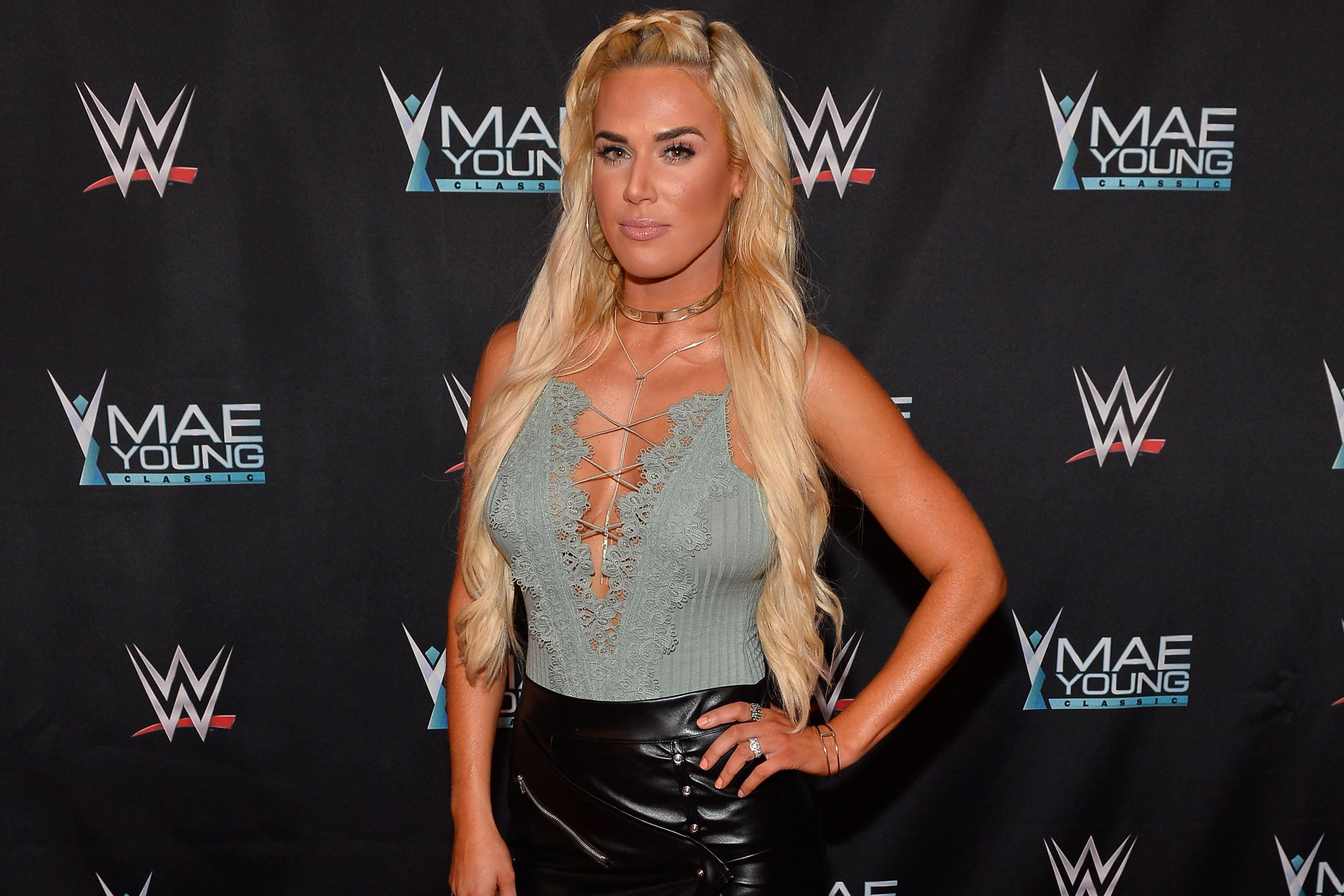 Lana Update Elias Injury Return Edge Leaves E C Podcast In The Wwe Roundup Bleacher Report Latest News Videos And Highlights