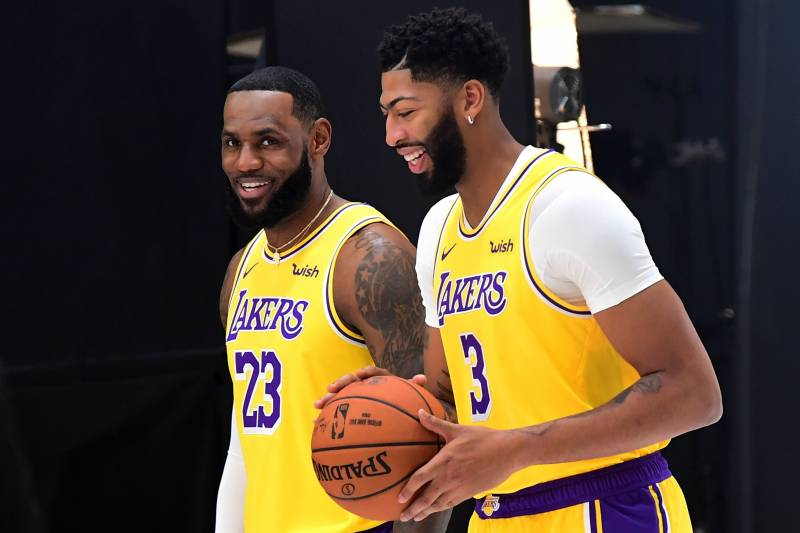 Lakers News Lebron James Plays Pg Anthony Davis Center In