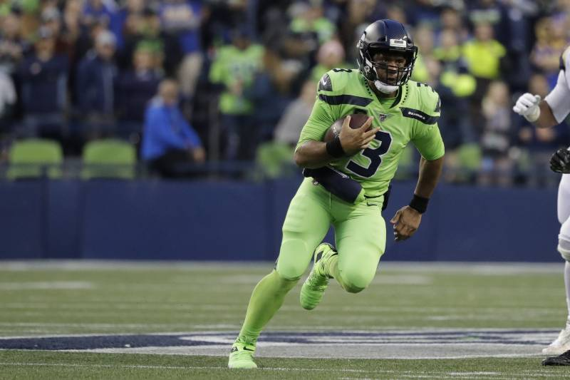 Russell Wilson Dazzles With 4 Tds As Seahawks Beat Rams 30