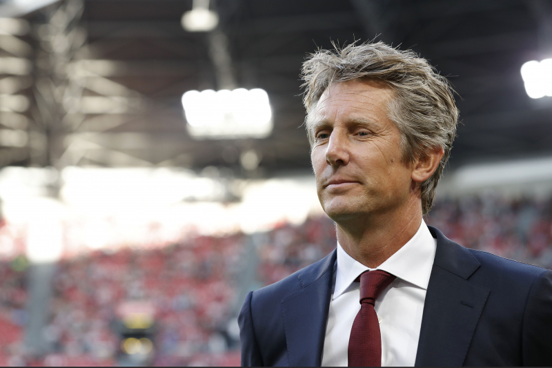 Edwin van der Sar Hints He Wants Future Role at 'Fantastic' Manchester United