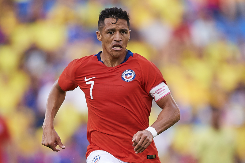 Chile Manager Says Alexis Sanchez Could Be Out 'For 2 or 3 Months'
