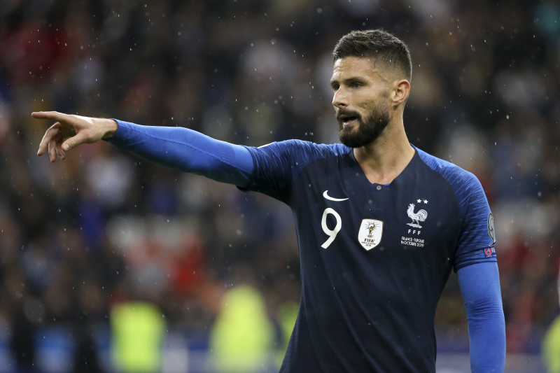 Olivier Giroud Hints at Chelsea Departure in January Due to Lack of Game Time